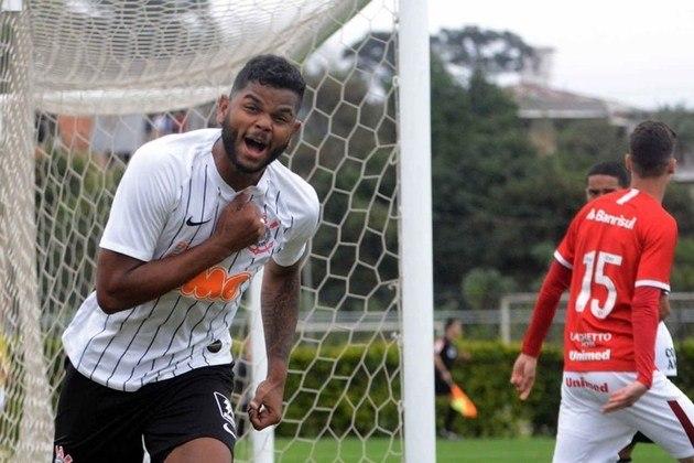 FECHADO - O atacante Nathan, de 21 anos, foi oficializado como novo jogador do Racing Ferrol, clube da terceira divisão da Espanha, nesse sábado (20). O jogador foi emprestado até o fim de junho de 2021. Após esse período, volta para o Parque São Jorge.