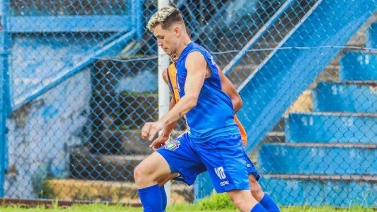 FECHADO - O atacante Robert, de 18 anos, foi integrado ao elenco profissional do São Caetano para a sequência do Campeonato Paulista. O jogador estava nas categorias de base do São Paulo.