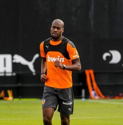 FECHADO - O Atlético de Madrid anunciou a contratação do volante francês Geoffrey Kondogbia. O jogador de 27 anos chega do Valencia e assina por quatro temporadas. O valor da negociação não foi revelado.