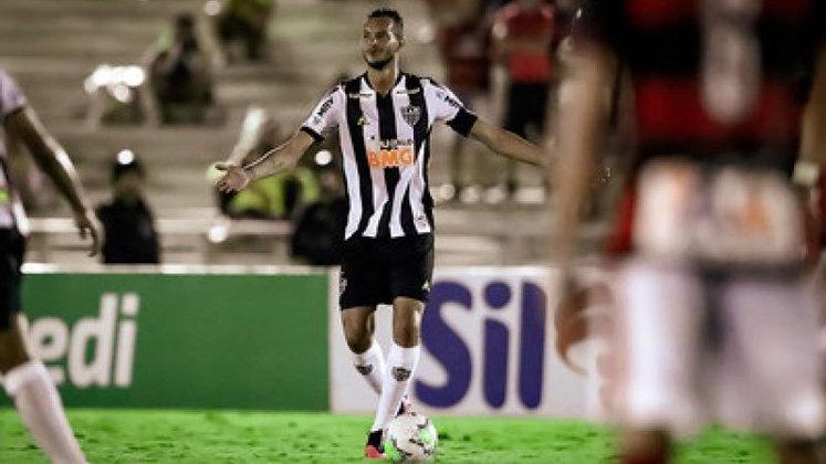 FECHADO - O Atlético-MG anunciou a renovação de contrato do zagueiro Réver, ampliando o vínculo com o Galo até o fim de 2022. O novo acordo foi publicado pelo time mineiro nesta terça-feira, 5 de outubro, no BID da CBF. O contrato também teve uma alteração salarial.