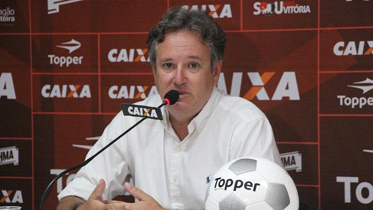 FECHADO - O Atlético-MG oficializou a contratação de Erasmo Damiani como novo gerente das categorias de base. Damiani chega para substituir Júnior Chávare, que foi demitido pela atual gestão.