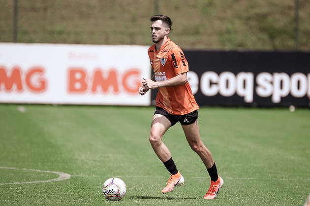 FECHADO - O Atlético-MG prorrogou o empréstimo do meia Hyoran, que atualmente vem sendo muito utilizado na equipe comandada por Jorge Sampaoli. Cedido pelo Palmeiras, o contrato do jogador foi estendido até o fim da Série A, em fevereiro de 2021.