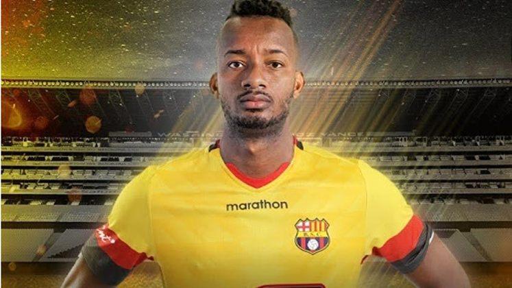 FECHADO - O Barcelo de Guayaquil, do Equador, anunciou a chegada do meio-campista Jefferson Orejuela, por empréstimo até o fim deste ano. O volante de 27 anos, que já defendeu o Fluminense, reforça o clube equatoriano que está no grupo do Flamengo na Libertadores.