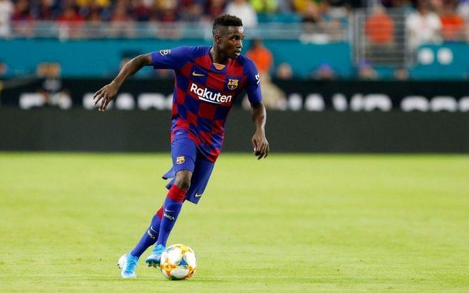 FECHADO: O Barcelona anunciou nesta segunda-feira (21) o empréstimo do lateral-direito Moussa Wagué, ao PAOK, da Grécia. até junho de 2021. A imprensa grega afirma que o clube terá a opção de compra do jogador ao final do vínculo.