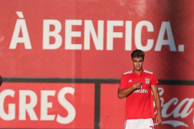 FECHADO - O Benfica emprestou o jovem ponta Jota para o Real Valladolid por uma temporada. O atleta estava afastado do elenco e não fazia parte dos planos de Jorge Jesus.