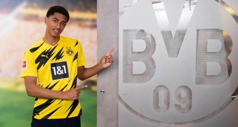 FECHADO - O Borussia Dortmund anunciou a contratação do meia Jude Bellingham, de 17 anos, que estava no Birmingham, da Inglaterra. Tratado como um das principais promessas do futebol inglês, o jogador chega ao clube aurinegro cercado de expectativas,
