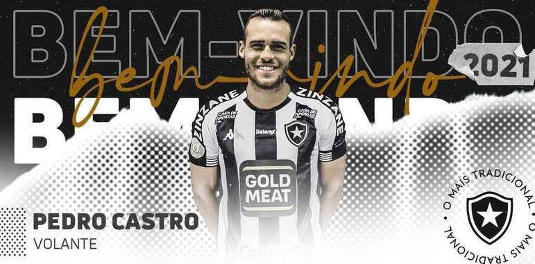 FECHADO - O Botafogo tem mais um reforço confirmado para a temporada 2021. Trata-se de Pedro Castro, meio-campista que passou as últimas quatro temporadas no Avaí. O nome do jogador foi registrado no BID (Boletim Informativo Diário) da CBF na tarde desta sexta-feira. O atleta, que pertence à Tombense-MG, chega por empréstimo até o fim do ano e é uma contratação visando a disputa da Série B. Como o nome dele já está registrado, Pedro Castro está liberado para estrear e entrar em campo com a camisa preta e branca.