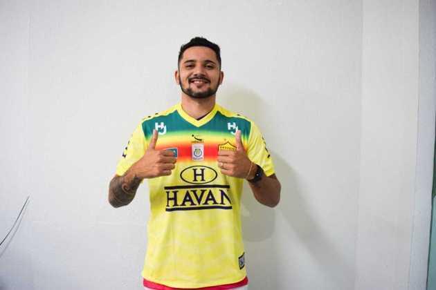 FECHADO - O Brusque acertou a contratação do centroavante João Luiz da Silva Neto, mais conhecido como Johnny, que estava no Santo André, líder do Campeonato Paulista. O novo reforço chega por empréstimo junto ao Linense, clube que detém seus direitos, até dezembro de 2020.