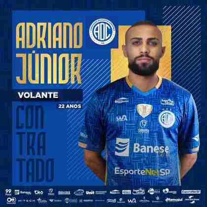 FECHADO - O Confiança fechou com o volante Adriano um empréstimo até o final de 2021. O atleta já defendeu o Atlético-MG, Criciúma e Paraná até chegar na equipe sergipana.