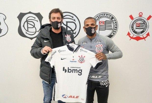 FECHADO - O Corinthians anunciou a contratação de Romulo Otero por empréstimo de um ano junto ao Atlético-MG. O jogador, que já está aos cuidados do clube desde a última quarta-feira, assinou contrato válido até julho de 2021.