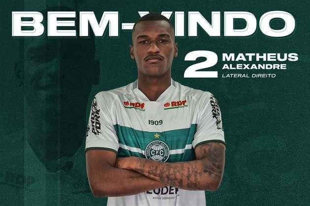 FECHADO - O Coritiba anunciou a chegada por empréstimo do lateral-direito Matheus Alexandre, que pertence ao Corinthians e fica no Coxa até dezembro de 2021.