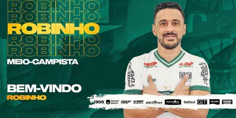 FECHADO - O Coritiba assinou com o meia Robinho até o final de 2022. O meio-campista retorna ao clube onde brilhou no começo da década de 2010