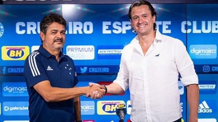 FECHADO: O Cruzeiro confirmou a contratação de Ney Franco para ser o novo técnico da Raposa. Ele assinou contrato com o clube mineiro até o fim de 2021. Será o terceiro comandante da equipe celeste em 2020, depois de Adílson Batista e Enderson Moreira.