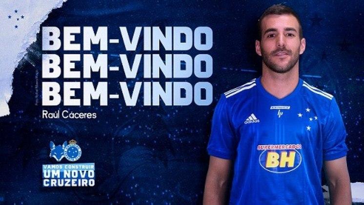 FECHADO - O Cruzeiro confirmou a contratação do paraguaio Raúl Cáceres, de 28 anos, que estava no Cerro Porteño, do Paraguai, na última quinta. O lateral-direito chega ao clube celeste para assinar contrato até o fim de 2022.