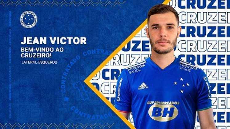 FECHADO - O Cruzeiro confirmou, na tarde desta sexta-feira, 25 de junho, a chegada do lateral esquerdo Jean Victor para reforçar o plantel cinco estrelas. Com 26 anos, o atleta, que estava no Boavista-RJ, assina com a Raposa em definitivo até o fim do Campeonato Brasileiro Série B.