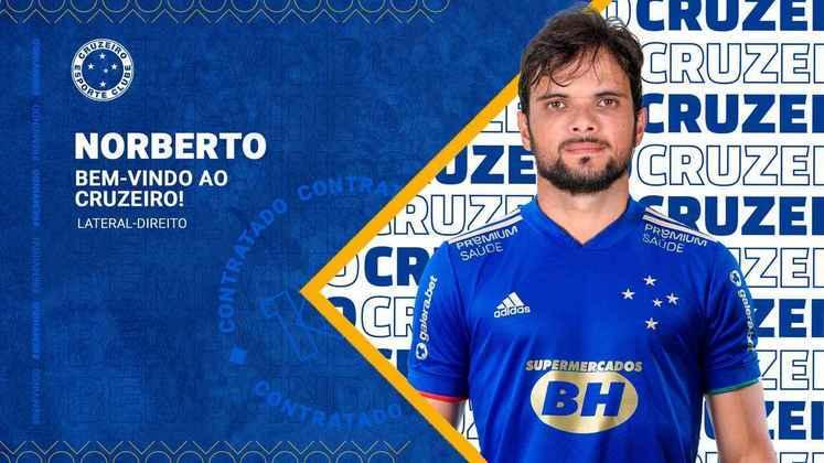 FECHADO - O Cruzeiro fechou a contratação do lateral Norberto para a Série B 2021. O jogador que estava no CSA chega para reforçar a Raposa a subir para a Série A do Brasileirão.