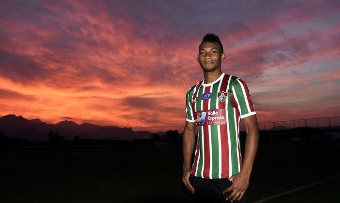 FECHADO: O Emelec confirmou a continuidade do atacante Bryan Cabezas, ex-Fluminense, em seu elenco até 2021.