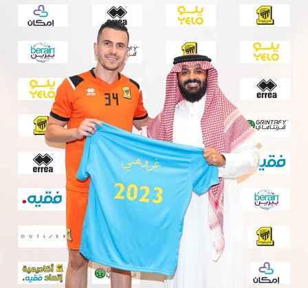 FECHADO - O ex-gremista Marcelo Grohe acertou a renovação de contrato com o Al Ittihad até 2023, seguindo na equipe que defende desde 2019.