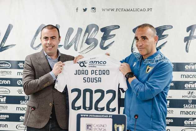 FECHADO - O Famalicão renovou o vínculo com o seu treinador, João Pedro Sousa até 2022.