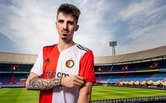 FECHADO - O Feyenoord anunciou a contratação de Bernardo Silva, do Benfica. O jovem meio-campista de 19 anos assinou um contrato de duas temporadas e vai começar jogando pela equipe B do clube holandês.