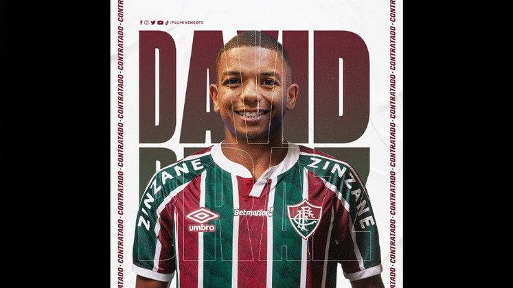 FECHADO - O Fluminense confirmou a contratação do zagueiro David Braz, que rescindiu com o Grêmio e assina com o Tricolor até abril de 2023. O vínculo dele com o clube já está publicado no Boletim Informativo Diário (BID) da CBF.
