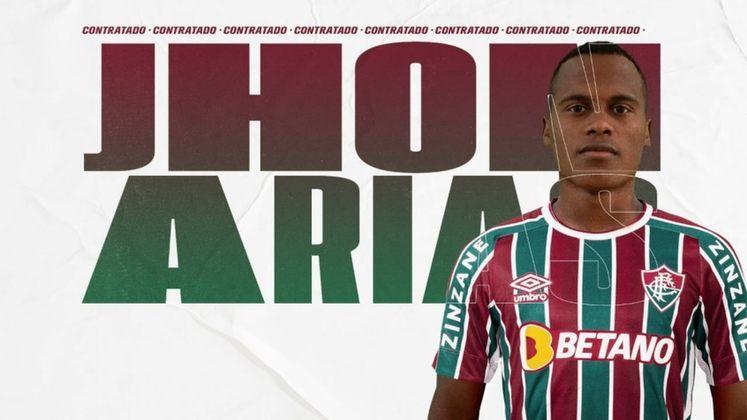 FECHADO - O Fluminense oficializou na noite desta quarta-feira a contratação do meio-campista Jhon Arias, que pertencia ao Patriotas e estava emprestado ao Independiente Santa Fe, ambos clubes da Colômbia. O jogador assina contrato em definitivo até agosto de 2025. O Tricolor vai desembolsar 600 mil dólares (R$ 3,1 milhões na cotação atual) por 50% dos direitos.