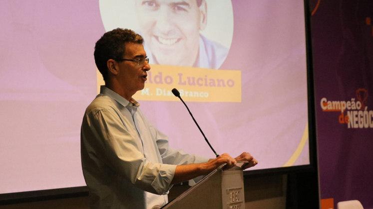 FECHADO - O Fortaleza anunciou nessa sexta-feira (5) a chegada do novo diretor administrativo Geraldo Luciano. O antigo ocupante do cargo, Gildo Ferreira, foi remanejado para o comando do futebol feminino.
