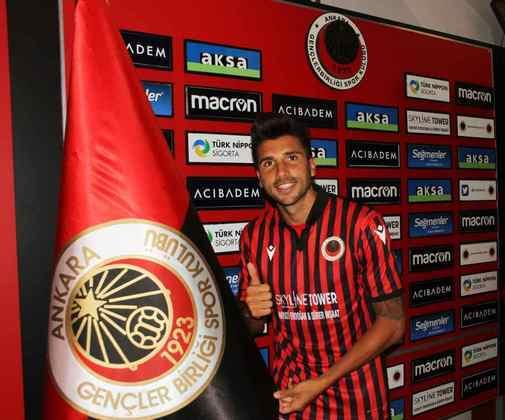 FECHADO - O Gençlerbirligi, da Turquia, acertou a contratação do meia Lucas Mugni, ex-Sport e Flamengo.