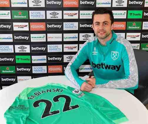 FECHADO - O goleiro Fabianski renovou o seu contrato com o West Ham por mais uma temporada.