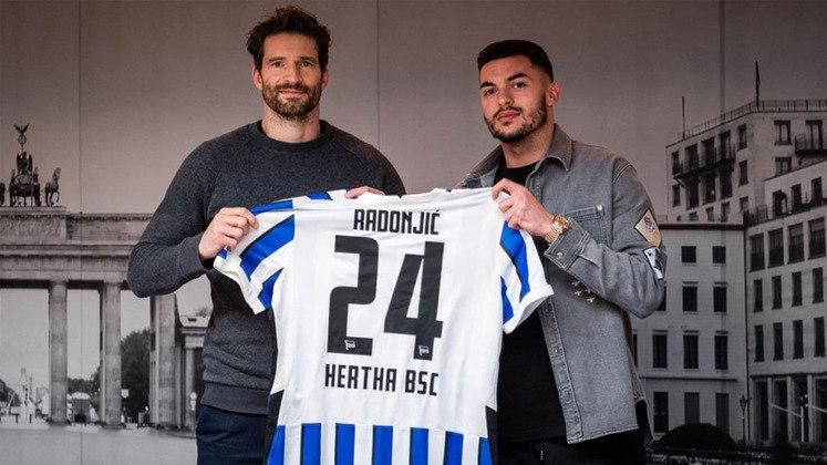 FECHADO - O Hertha Berlin aproveitou o último dia da janela de transferência do mercado de inverno europeu e acertou também a contratação do atacante Nemanja Radonjic, por empréstimo. O sérvio de 24 anos, que pertence ao Olympique de Marselha, fica na capital germânica até o fim da temporada.