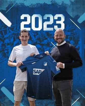 FECHADO - O Hoffenheim fechou a contratação do meio-campista Sebastian Rudy, que estava sem clube, até o final da temporada 2023.