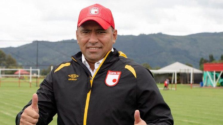 FECHADO - O Independiente Santa Fe, vice-campeão colombiano, publicou uma nota nessa segunda-feira (4) nas suas redes sociais onde tratou de ratificar o comando técnico da equipe sob a batuta de Harold Rivera.