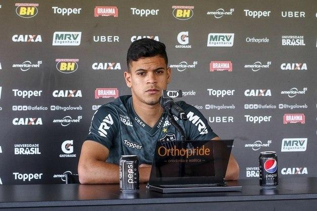 FECHADO - O lateral-esquerdo Hulk, agora ex-Atlético-MG, e que estava emprestado ao Paraná, acertou sua ida para o futebol europeu. O jogador vai jogar em Portugal, no Porto B, que disputa a segunda divisão portuguesa.