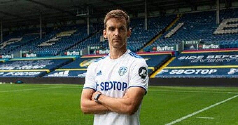 FECHADO - O Leeds United, clube dirigido por Marcelo Bielsa, tornou oficial nesta quinta-feira (24) a contratação do zagueiro Diego Llorente, de 27 anos. O jogador defendia a equipe da Real Sociedad e foi convocado recentemente pela seleção da Espanha.