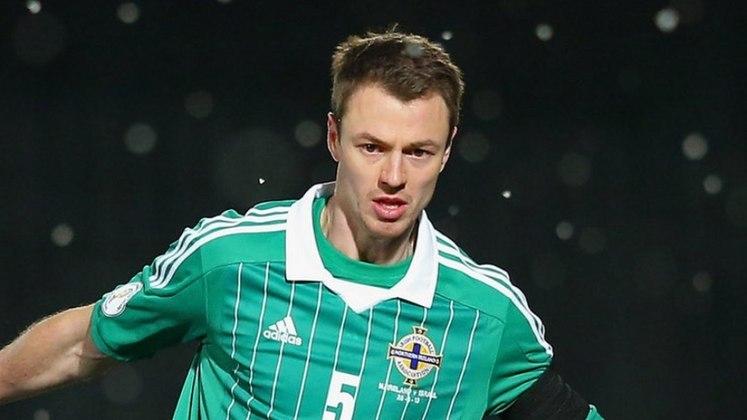 FECHADO - O Leicester prorrogou o contrato do zagueiro, Jonny Evans até junho de 2023.