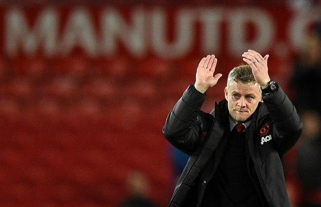 FECHADO - O Manchester United anunciou em suas redes sociais que renovou o contrato do treinador Ole Gunnar Solskjaer até 2024, com opção de renovar por mais um ano.