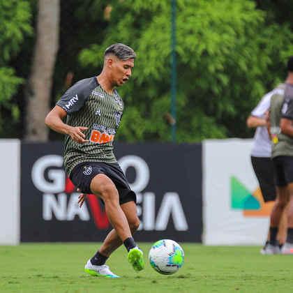 FECHADO - O meia argentino Matías Zaracho, de 22 anos, foi apresentado oficialmente na manhã desta quarta-feira, 21 de outubro, na Cidade do Galo. O jogador , que estava treinando no Atlético-MG, assinou contrato até outubro de 2025.