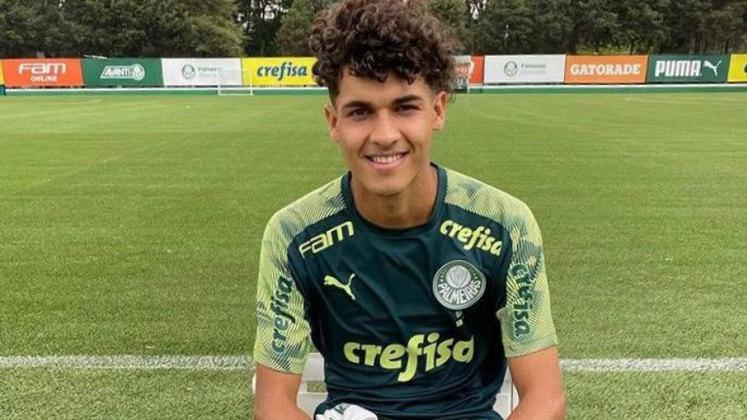 FECHADO - O meia equatoriano Jamilton Carcelen, conhecido como 'novo Valdivia' não faz mais parte do elenco sub-20 do Palmeiras. O jogador de 18 anos, que estava emprestado pelo Independiente del Valle, não terá seu contrato renovado e vai retornar ao clube do Equador. O contrato era válido até o final de julho, com clausula de opção de compra.