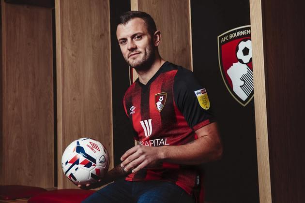 FECHADO - O meio campista Jack Wilshere, que estava sem clube, acertou com o Bournemouth para o restante da temporada.