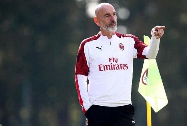 FECHADO - O Milan anunciou a renovação de contrato do técnico Stefano Pioli até 2022. O técnico chegou em outubro de 2019, não teve tempo de fazer uma pré-temporada com o elenco e apresentou desempenho irregular no início do seu trabalho.