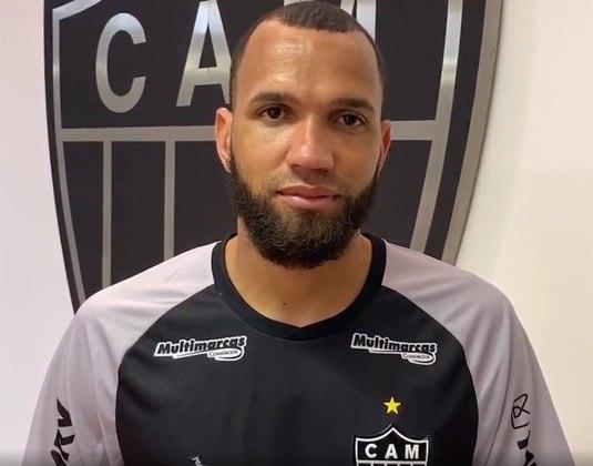FECHADO: O nome do goleiro Everson, agora do Atlético-MG, já está regularizado na CBF e, se Jorge Sampaoli quiser a estreia do goleiro, dependerá apenas da vontade do treinador.