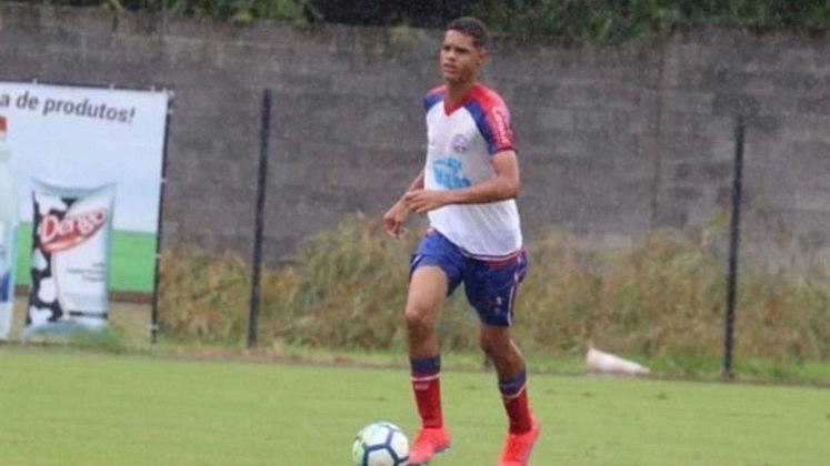 FECHADO - O Palmeiras acertou a contratação do zagueiro Jeferson, de 18 anos. O jogador vem do Jacuipense, da Bahia, e vai reforçar o time sub-20 do Verdão.