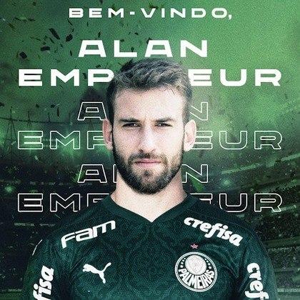 FECHADO - O Palmeiras acertou nesta segunda-feira (09) a contratação do zagueiro brasileiro Alan Empereur, que estava no Hellas Verona-ITA. O defensor de 26 anos firmou vínculo de empréstimo com o clube até junho de 2021 – ao final do período, o Alviverde terá opção de compra.