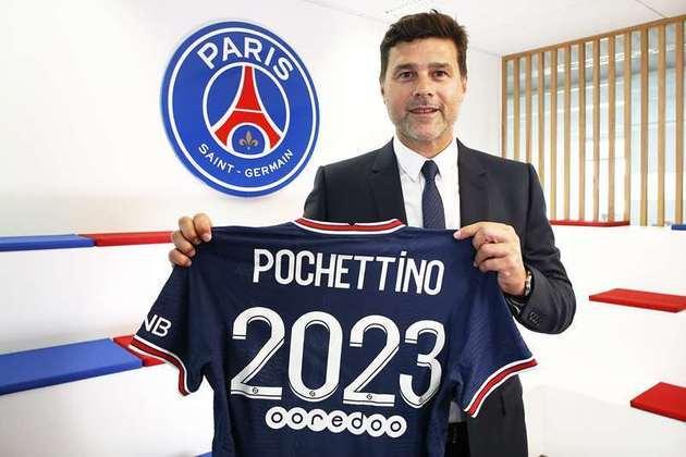 FECHADO - O Paris Saint-Germain anunciou nesta sexta-feira a renovação contratual com o treinador Mauricio Pochettino por mais duas temporadas, até junho de 2023. Desde janeiro na equipe francesa, o argentino tinha vínculo com o PSG até 2022. Além do técnico, seus quatro auxiliares também estenderam o contrato.
