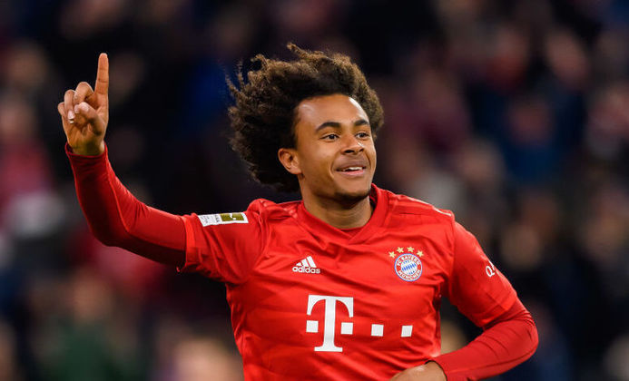 FECHADO - O Parma anunciou oficialmente a contratação por empréstimo do jovem atacante Joshua Zirkzee, que pertence ao Bayern de Munique. O contrato do jogador com a equipe italiano é até o final da temporada, mas com uma opção de compra no final do período.