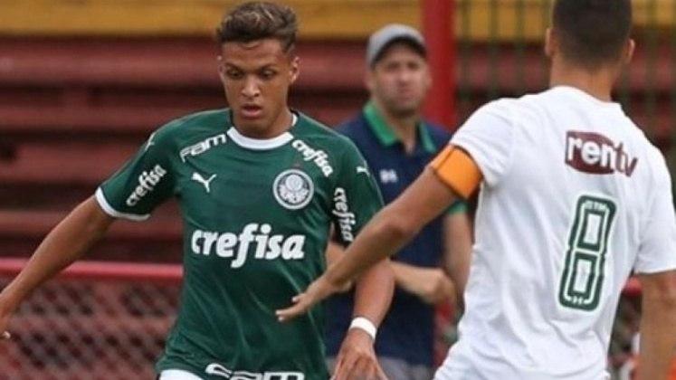 FECHADO - O promissor atacante Daniel Melo não faz mais parte do elenco Sub-20 do Palmeiras. O jogador publicou uma nota no seu Instagram no início da semana informando que deixa o clube para a temporada 2021. Com contrato até agosto, o jogador rescindiu amigavelmente com o clube e está livre para assinar com qualquer equipe.
