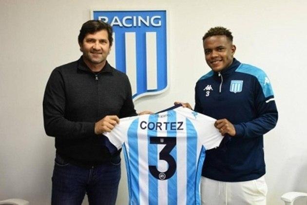 FECHADO - O Racing, da Argentina, anunciou o lateral-esquerdo Gustavo Cortez, equatoriano de 23 anos. Ele chega ao clube para disputar posição com Eugênio Mena.