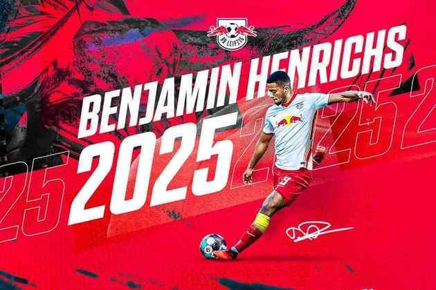 FECHADO - O RB Leipzig contratou em definitivo o defensor Benjamin Henrichs, que já estava no clube alemão emprestado do Monaco.