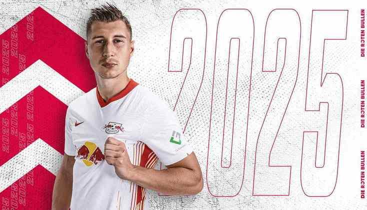 FECHADO - O RB Leipzig renovou o contrato do experiente zagueiro Willi Orban, estendendo o vínculo até 2025.