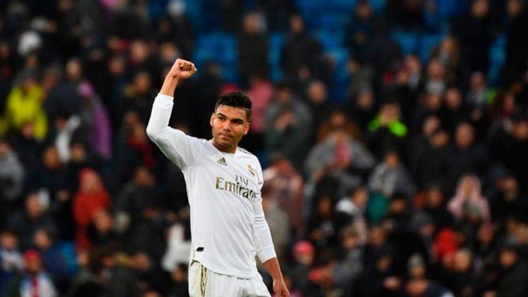 FECHADO - O Real Madrid anunciou a extensão contratual com o volante brasileiro Casemiro até 2025.